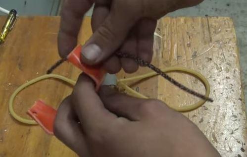 Cách làm súng cao su từ ống nhựa PVC 8