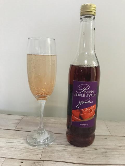 Yandra Rose syrup - in prosecco