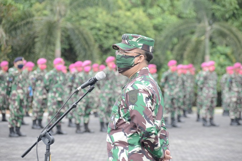 Asops Danlantamal IV Beri Pengarahan Kepada Segenap Prajurit dan PNS Lantamal IV