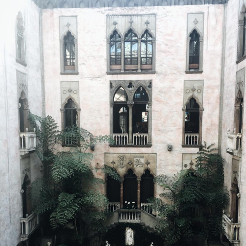 Beautiful medieval architecture - Isabella Stuart Gardner Museum, Boston {Cool Chic Style Fashion}