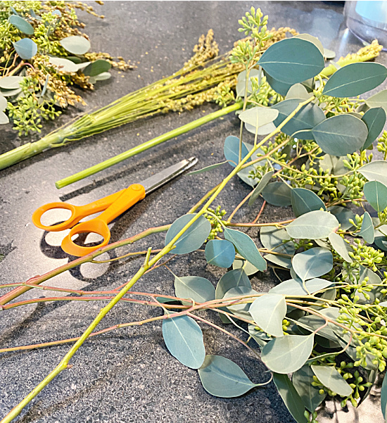 dried flower leaves and scissors
