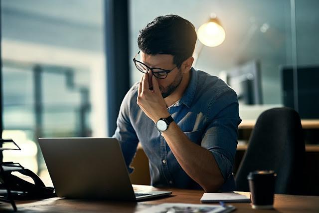 Căng thẳng trong thời gian dài là nguyên nhân gây ra đau cổ, vai gáy