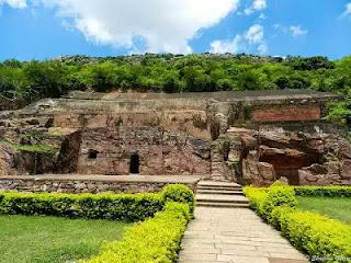 Million Tons Of Gold Treasure Is Hidden In Sonbhandar Caves-ఆ గుహల్లో వేలాది టన్నుల బంగారం!!