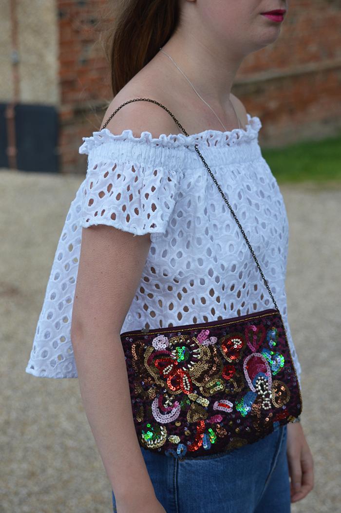 charity shop bag fashion blogger