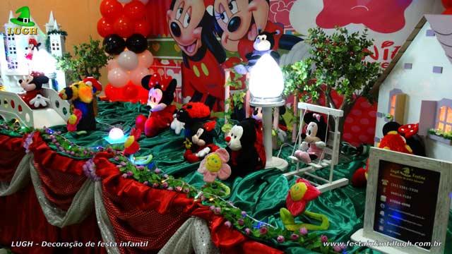 Mesa decorativa luxo Minnie vermelha para festa infantil
