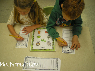 Writing center activities for Kindergarten and First Grade- writing lists give students confidence in their writing! Perfect for Daily 5! #writinglists #writing #writingcenter #kindergarten #kindergartenwriting #daily5 #lists #1stgradewriting #1stgrade