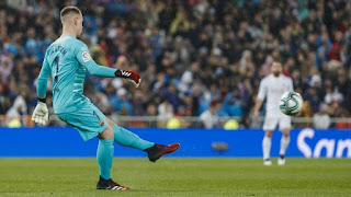 Ter Stegen played more passes than three Real Madrid outfielders