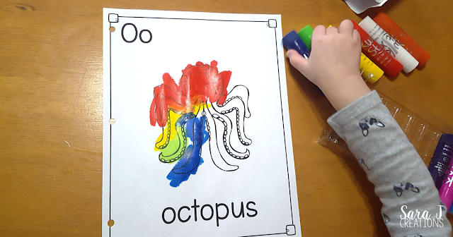 Letter O Activities that would be perfect for preschool or kindergarten. Art, fine motor, literacy, gross motor and alphabet practice all rolled into Letter O fun.
