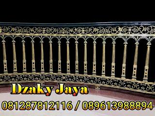 railing-balkon-besi-tempa-balkon-klasik-19