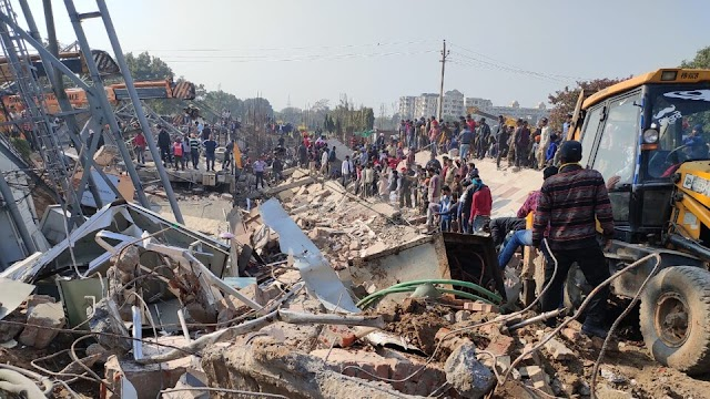 A 3 Story Building Collapsed in Kharar, Mohali - Realinfo