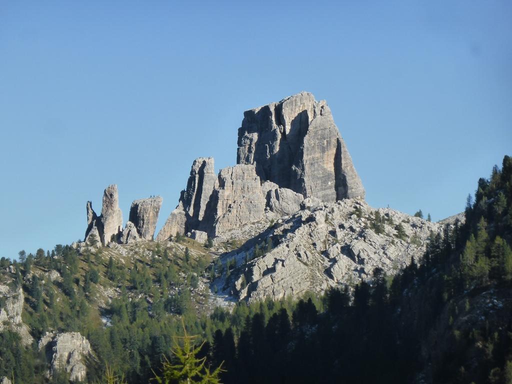 Wander Und Kletterausrüstung : Yoga und wandern klettern skitouren im juni