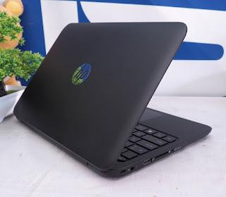HP11 - F103TU Laptop Bekas