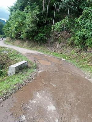jalan rusak di kayu aro surantih