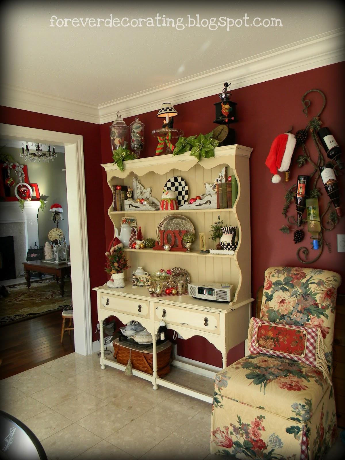 Forever Decorating!: Hutch Decor 101-107