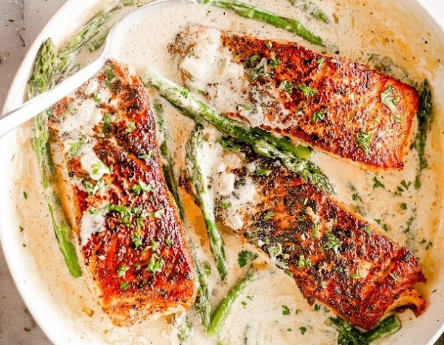 Salmon with Creamy Garlic Dijon Sauce #dinner #fish