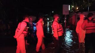 Tim rescue diterjukan untuk memantau dan memberikan bantuan kepada masyarakat yang terdampak bersama BPBD, TNI, Polri, Tagana, PMI dan unsur lainnya.
