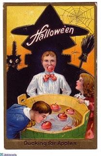 на Хэллоуин, гадания ведьмы, Хэллоуин, 31 октября, Halloween, All Hallows' Eve, All Saints' Eve, про гадания, как гадать на Хэллоуин, узнать судьбу на Хэллоуин, колдовство на Хэллоуин, магия, приемы гадания на Хэллоуин, эзотерика, магические практики, про магию, гадание на судьбу, гадание на любовь, гадание на яблоках, традиционные гадания на Хэллоуин, гадания на огне, гадания на яблоках, гадания на сновидениях, методы надания на Хэллоуин, предсказания на Хэллоуин, как узнать судьбу на Хэллоуин, гадания на зернах, Гадания на Хэллоуин