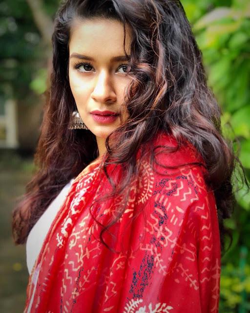 Avneet Kaur Images 28