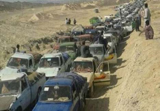تجمع صدها خودروی سوختبر در مرز بلوچستان بعد از اجرای «طرح رزاق» سپاه