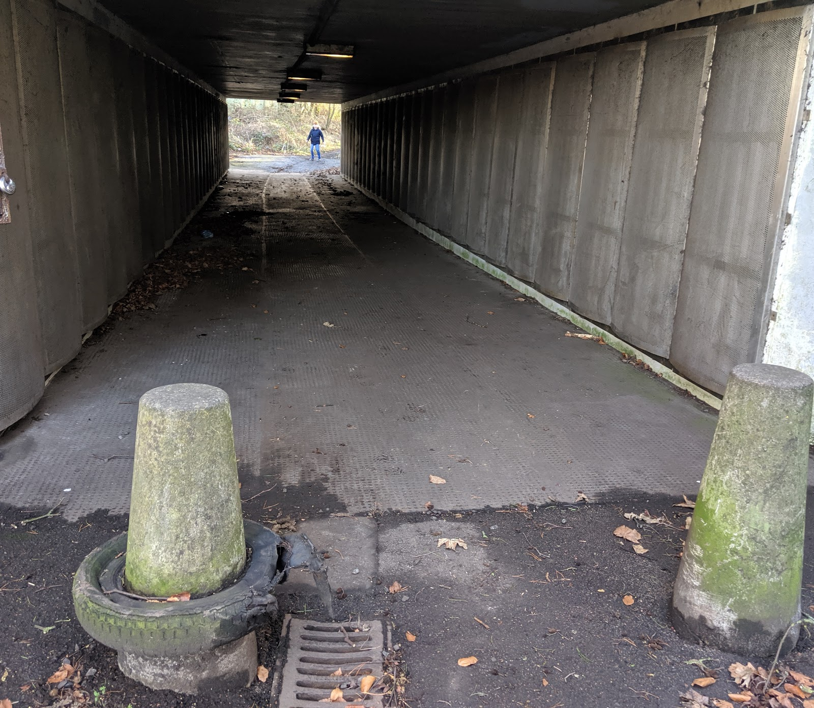 How to find the Giant Spoon in Cramlington, Northumberland - walk through the underpass