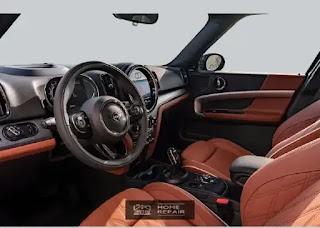 ميني كوبر كونتري مان 2021.سيارة ميني كوبر من الداخل.