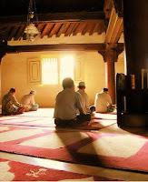 Ajaran Tasawuf dalam Puji-pujian Menjelang Shalat Fardlu
