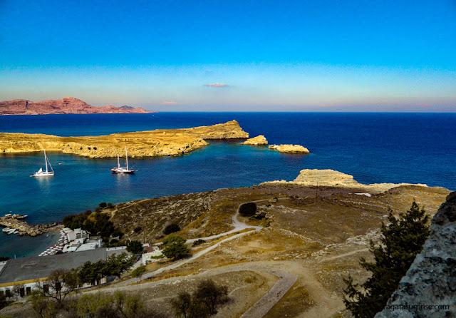 Trilha para a Acrópole de Lindos, na Ilha de Rodes, Grécia