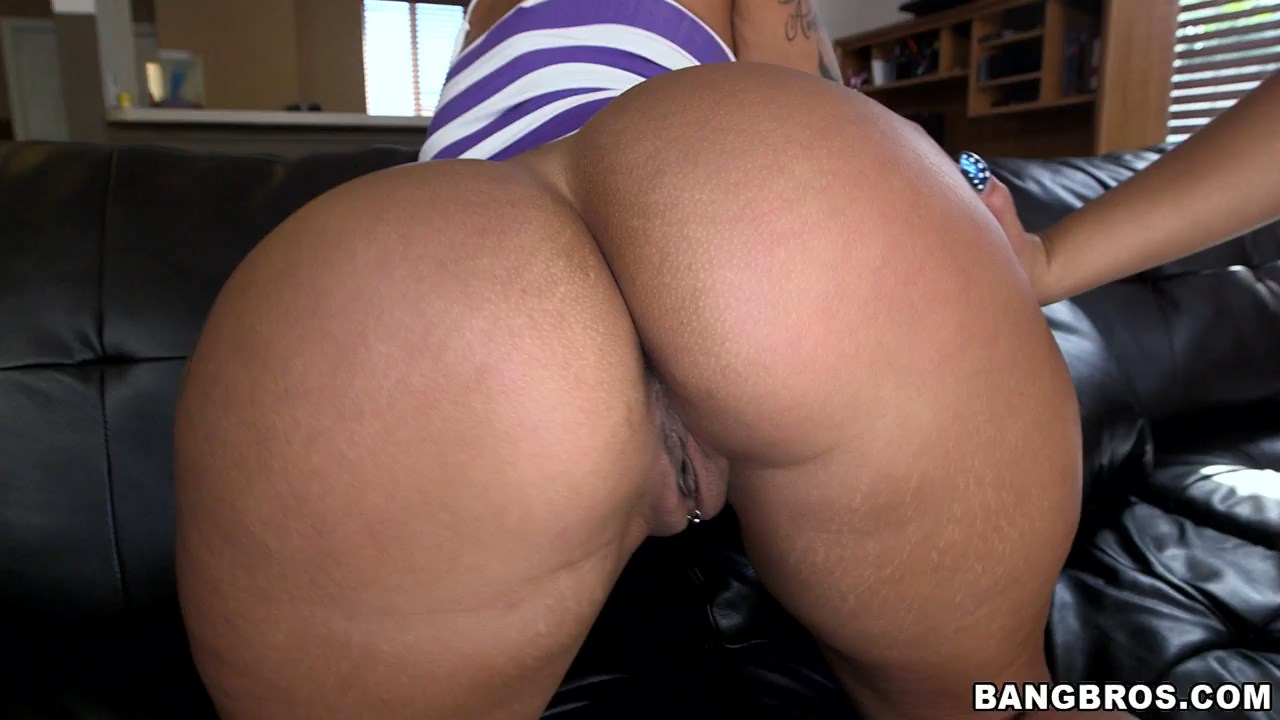 Kelsi monroe ass parade