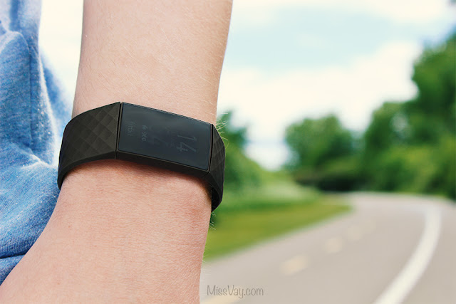 montre fitbit charge 4
