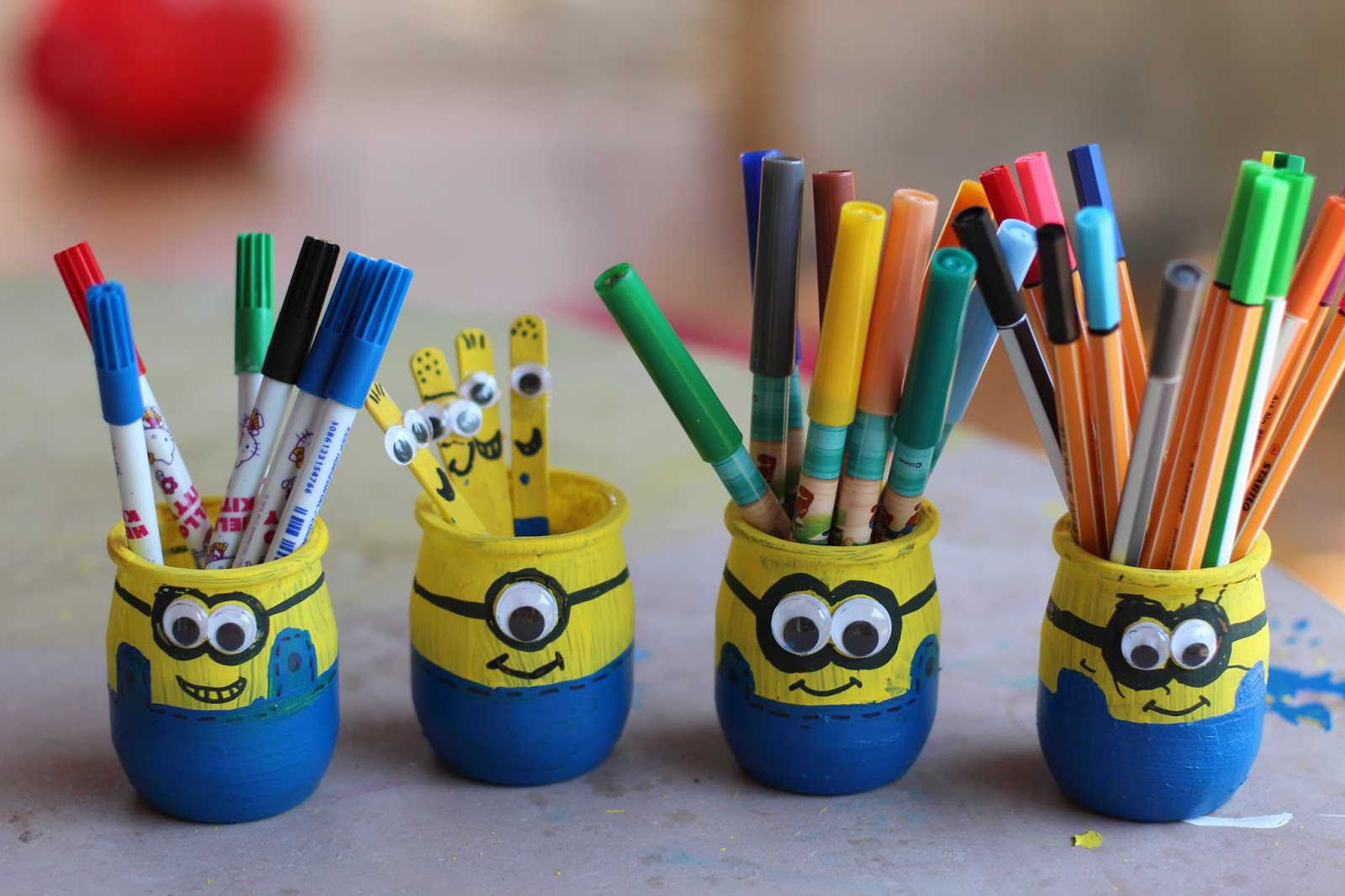 lili et ses filles diy minions en folie. Black Bedroom Furniture Sets. Home Design Ideas