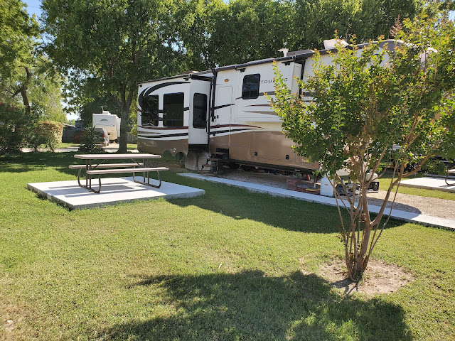 RV Site With Patio and picnic table