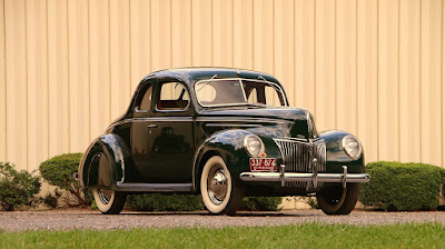 1939 Ford Deluxe Coupe Front Right
