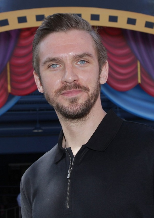 VJBrendan com: Dan Stevens at Disney's California Adventure