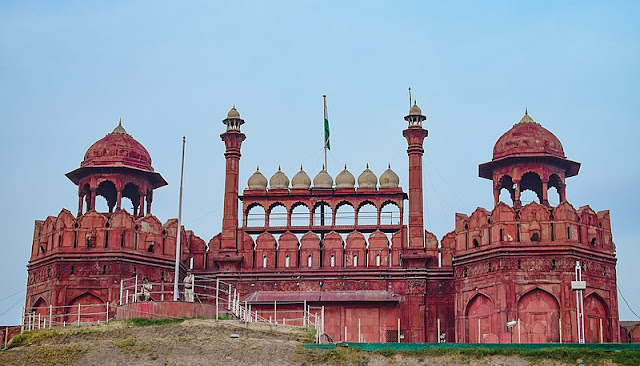 14 Insanely Photogenic Historical Places in North India, red fort