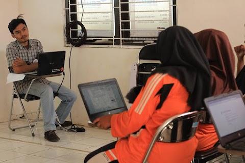 Siswa SMK Belajar Membuat CV dan Lamaran Kerja Elektronik di Puspindes