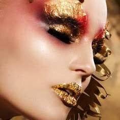 maquillaje navideño rojo y dorado