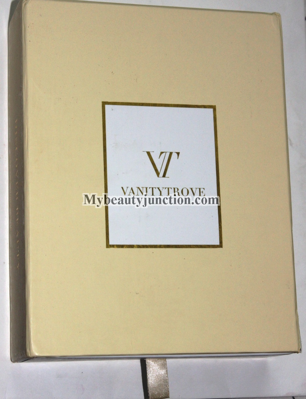 Vanity Trove Thailand beauty box unboxing, review, photos February 2014