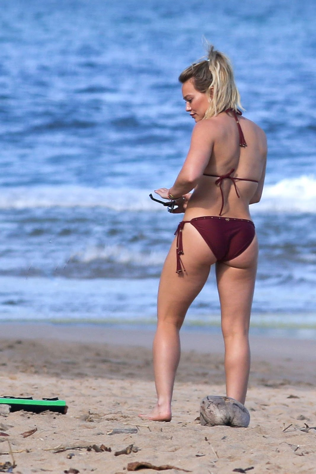 I think this is Hilary Duff's hottest Bikini look ever. Because, she is looking so hot in all these photos.