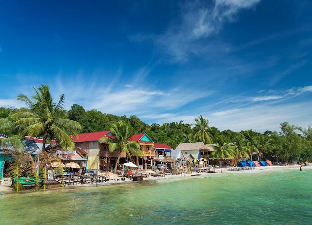 Кох Ронг остров пляжных баров в Камбодже