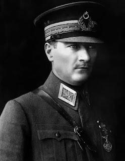 Mustafa Kemal Atatürk Sözleri ile ilgili aramalar atatürk sözleri mesajları  orjinal atatürk sözleri  atatürkün sözleri kısa  resimli atatürk sözleri  atatürkün bugünü anlatan sözleri  atatürk'ün sözleri ve anlamları  atatürkün demokrasi ile ilgili sözleri kısa  atatürk sözleri tumblr