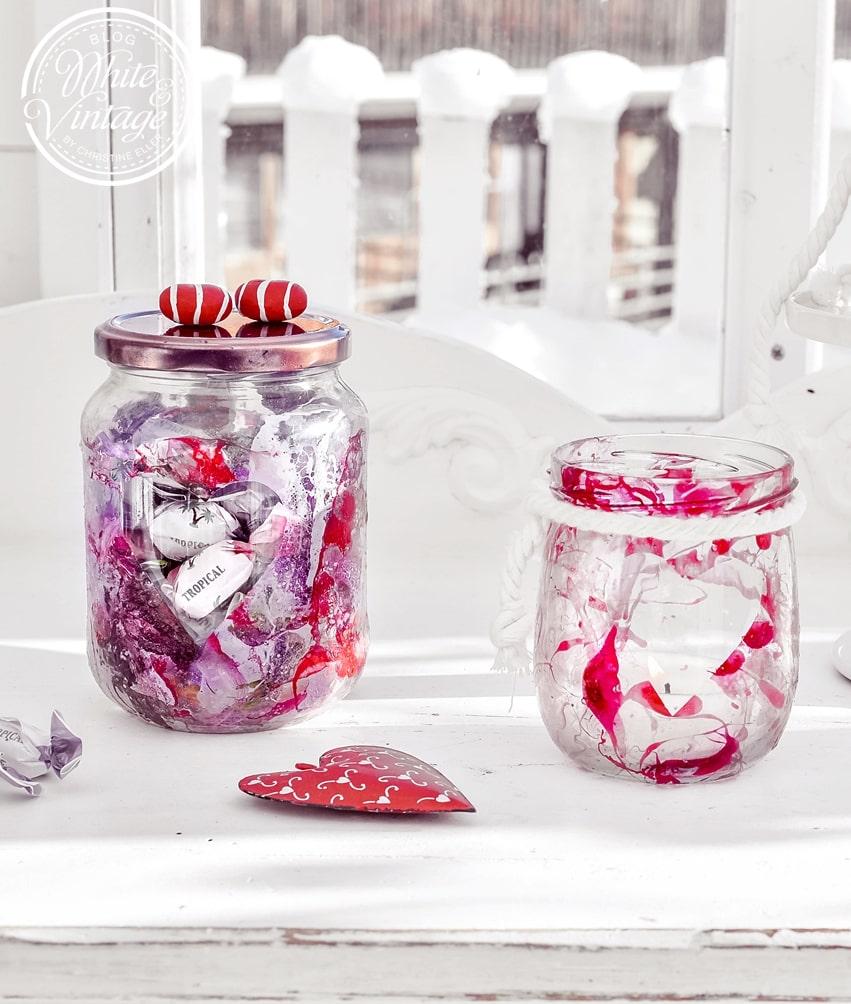 DIY Valentinstagsgeschenk Glas mit Nagellack marmorieren.