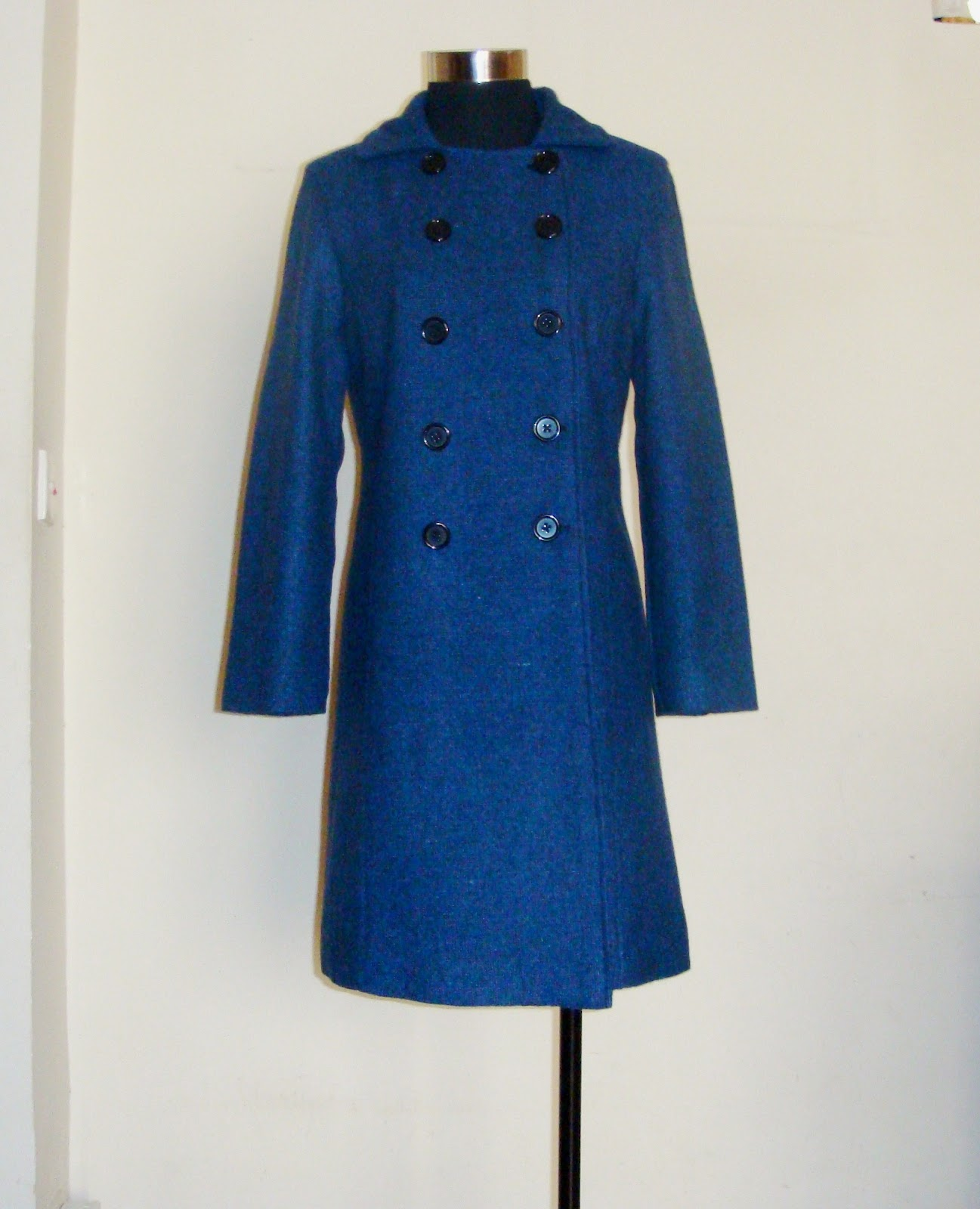 http://velvetribbonsew.blogspot.com/2013/01/my-first-coat_16.html