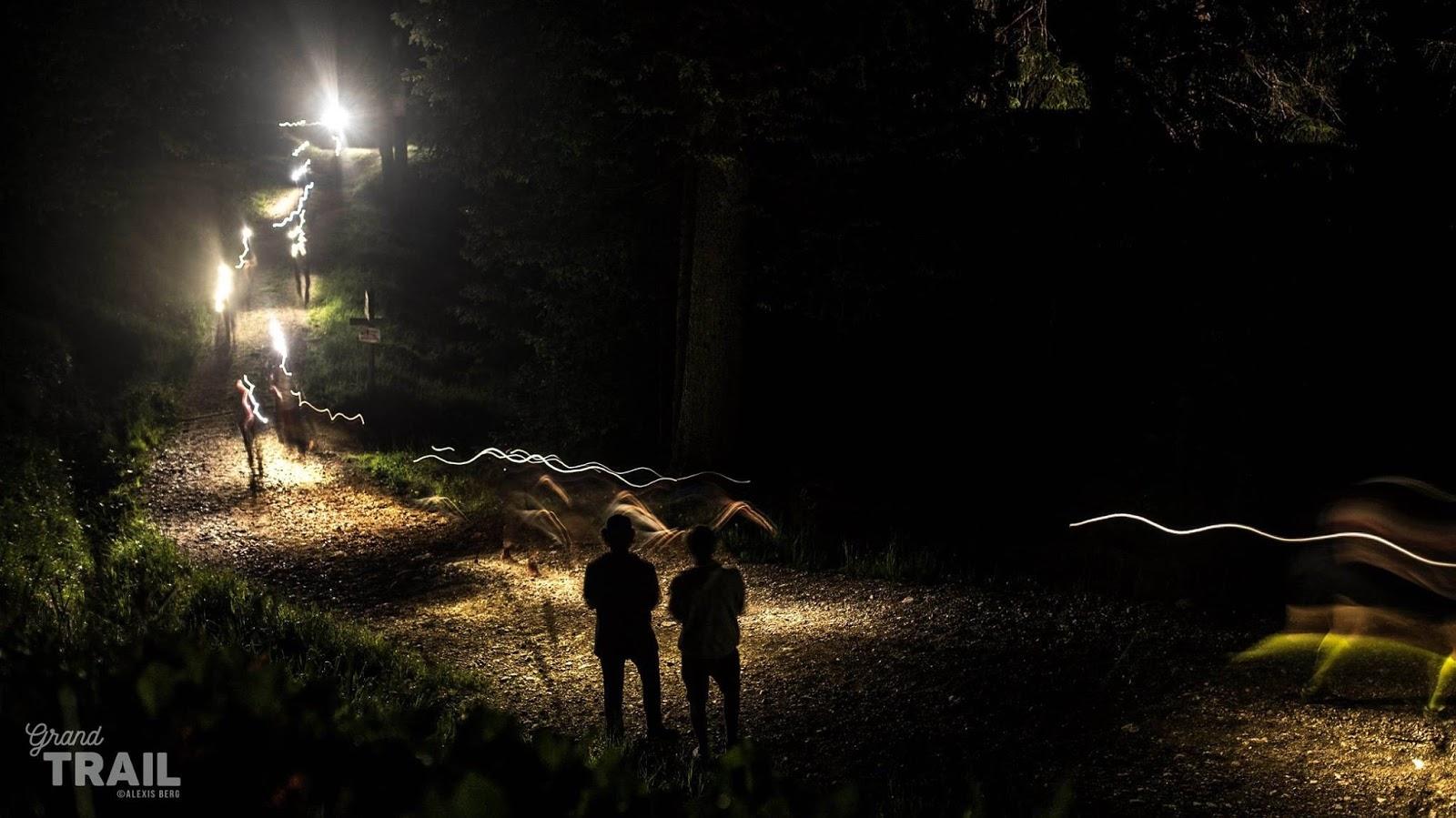 Coureurs la nuit