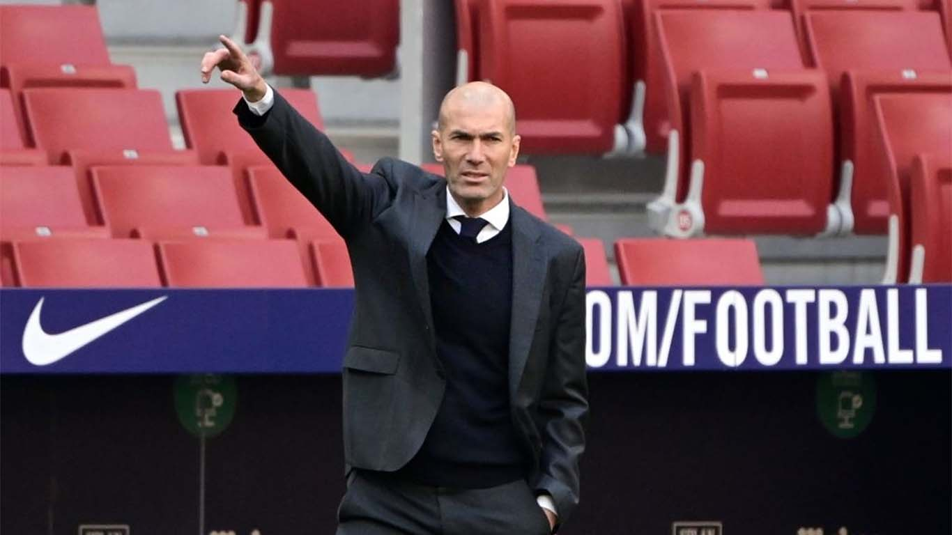 real-madrids-french-coach-zinedine-zidane-gestures-during-news-photo