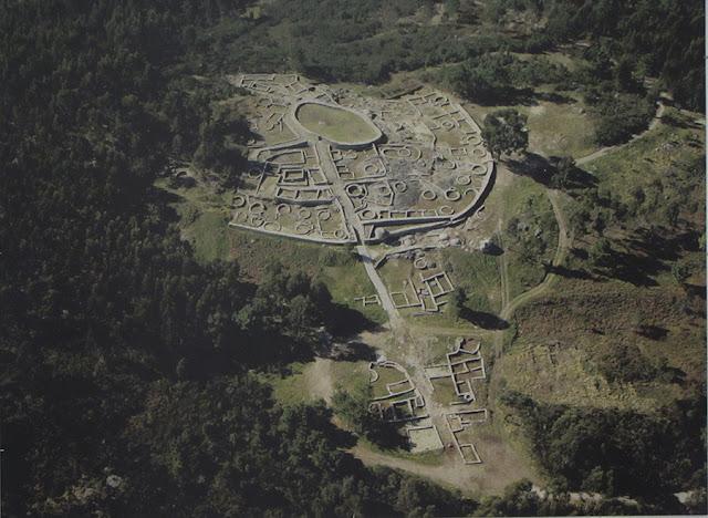 vista aérea do Castro de Monte Mozinho