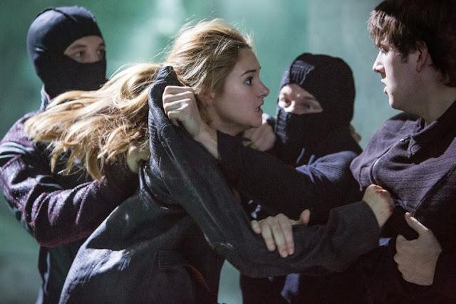 Divergent movieloversreviews.filminspector.com