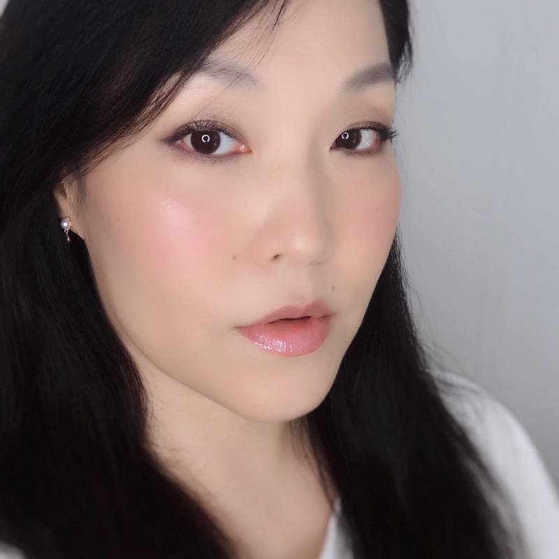 feminine nude pink makeup look