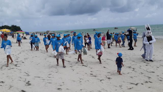 """""""Minha Praia, Praia Limpa"""" realiza ações em todo o litoral goianense"""