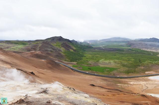 Vistas desde la montaña Námafjall en Hverir, Islandia