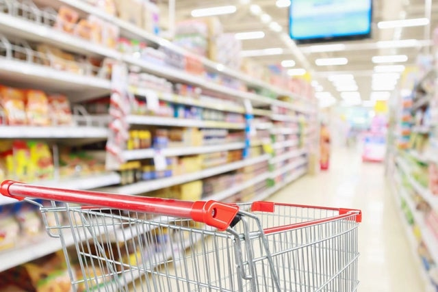 How supermarkets manipulate you into buying more food in store